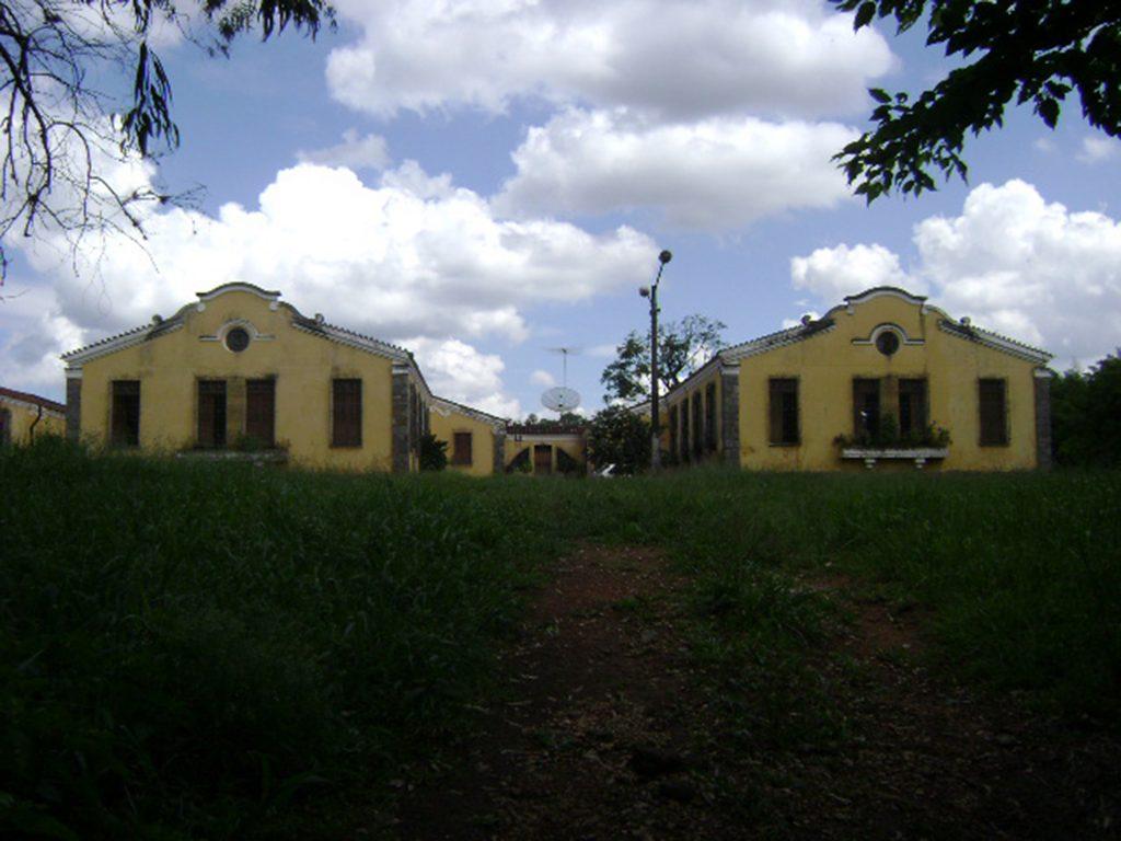 Fig.13| 1ª Colônia Feminina. Tratamento fachadístico neocolonial. (Fonte: Foto Iná Rosa, dez. 2010).